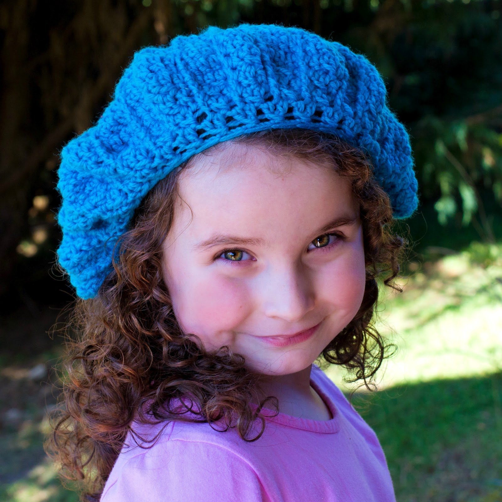 French Beret Crochet Pattern {Fits 13 Years & Up} via Hopeful Honey
