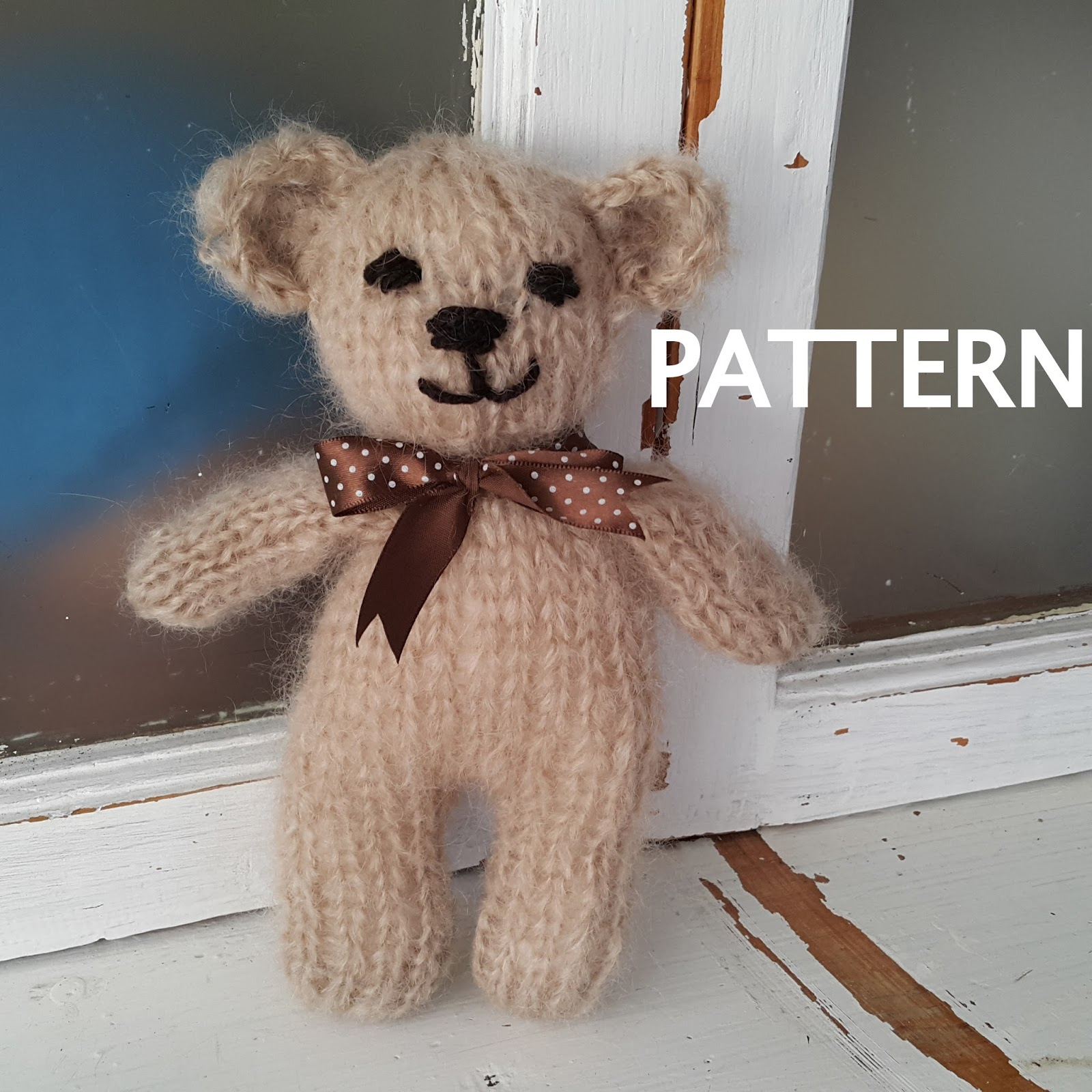 Knitting Pattern For All In One Teddy Bear : Crafty Stuff Baby Knits and Photo Props: Knitting PATTERN for a Newborn Baby ...
