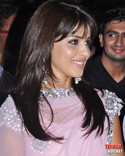 1 - Genelia DSouza Cute Pics at Awards