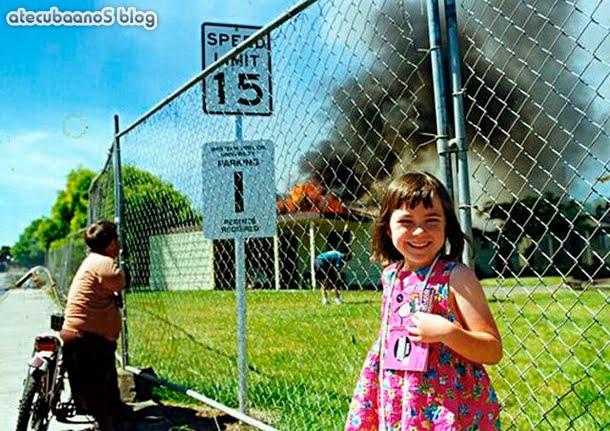 garotinha que botou fogo na escola fazendo pose pra foto