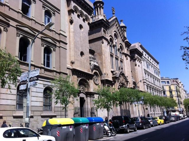 El patrimonio religioso y la espada de san ignacio en - Calle casp barcelona ...