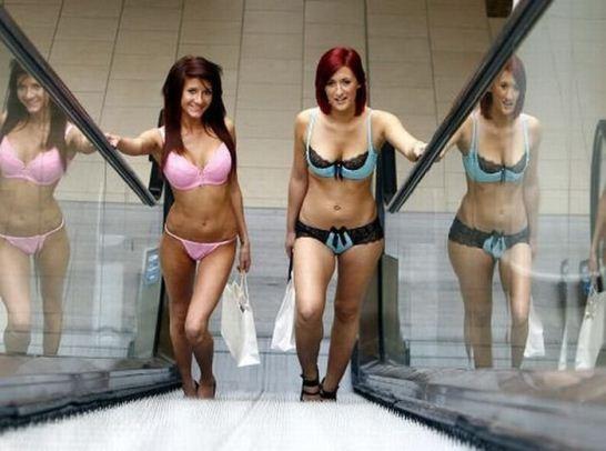 naked-shopping-belanja-telanjang-6