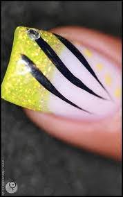 nail art light green design