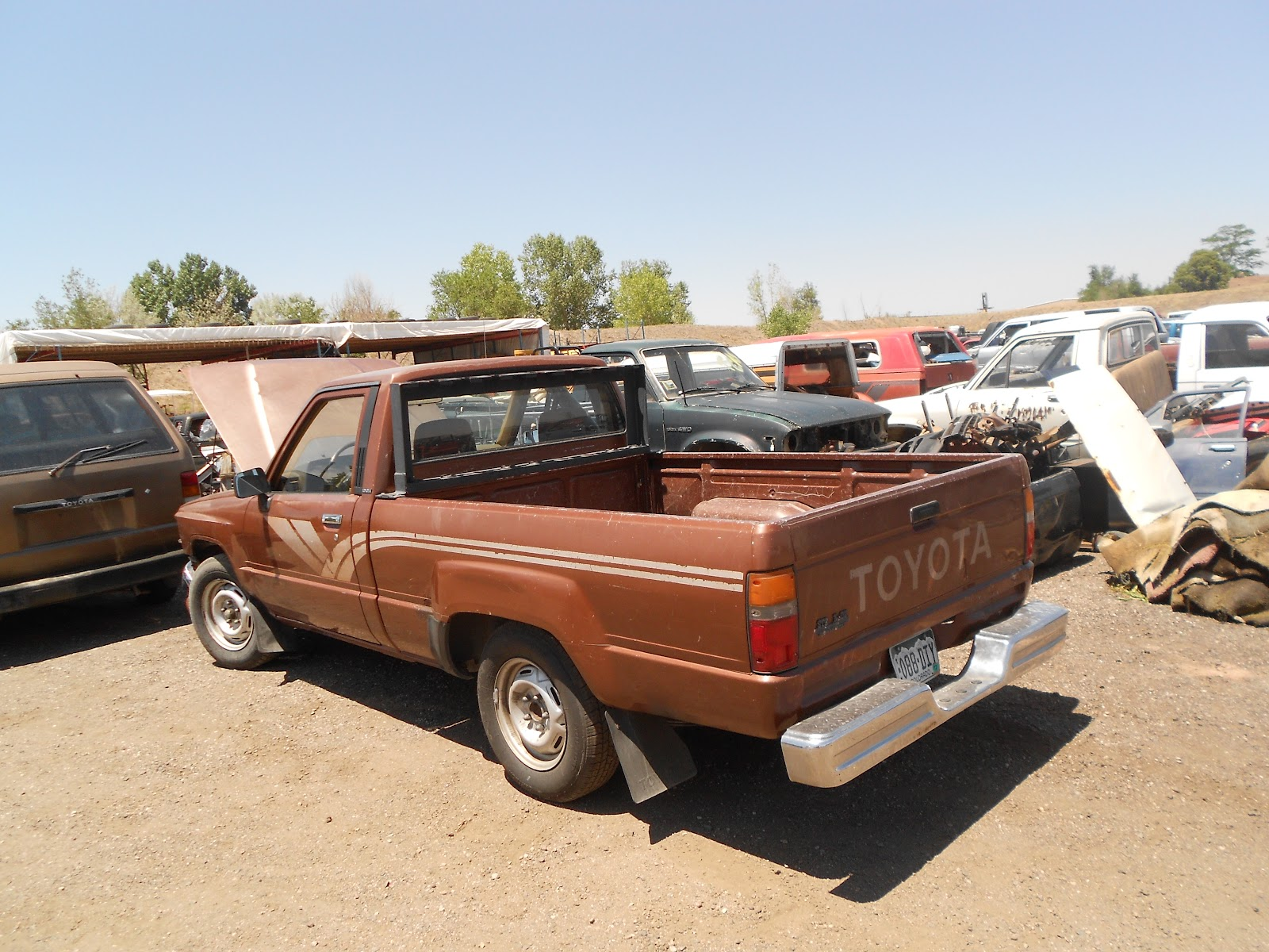 new arrivals at jim 39 s used toyota truck parts 1987 toyota pickup 4x2. Black Bedroom Furniture Sets. Home Design Ideas