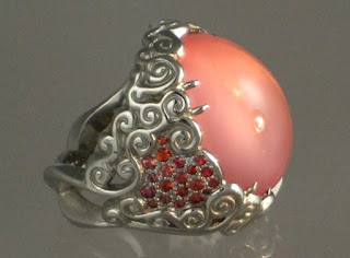 Pink Agate Meaning