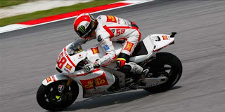 Video tabrakan Simoncelli VS Colin Edward Foto Simonceli wallpapers