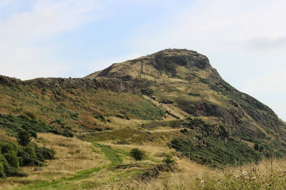 arthur's seat, edinburgh: at the bottom looking at the top of the crag