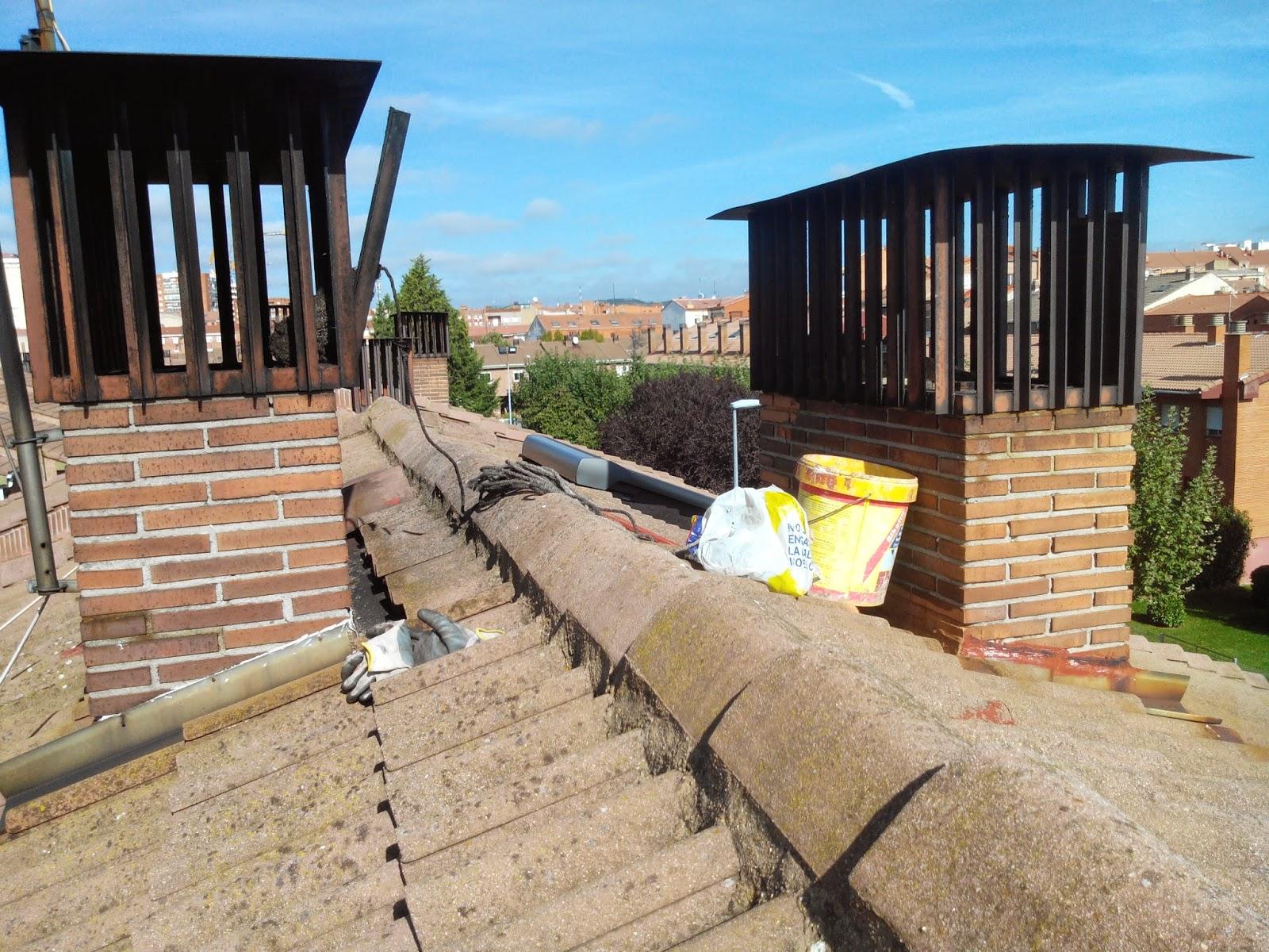Fotos de Cómo Limpiamos Chimeneas en León, el Deshollinador en una Limpieza de chimeneas. Realizamos servicios de limpieza de chimeneas en León, presupuestos sin compromiso, tlf de contacto es 618848709 wasap y 987846623 te atenderemos rapido.