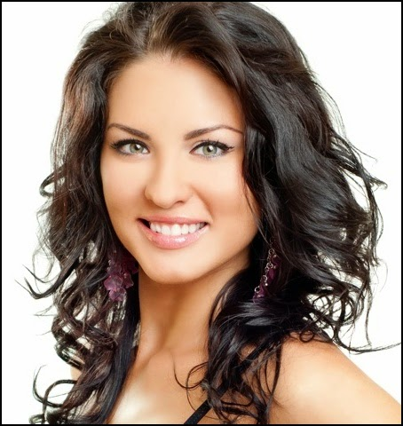 medium layered wavy hairstyles
