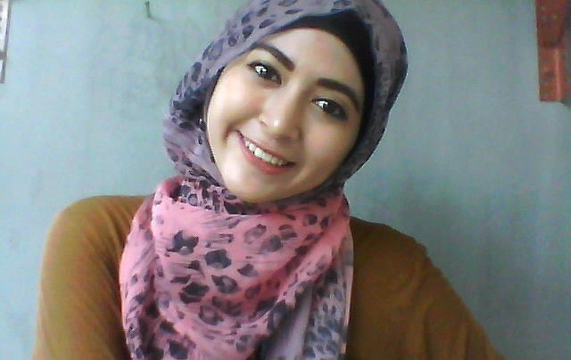 Tutorial Hijab Pashmina Terbaru Modis Cantik Dengan Motif By Natasha Farani