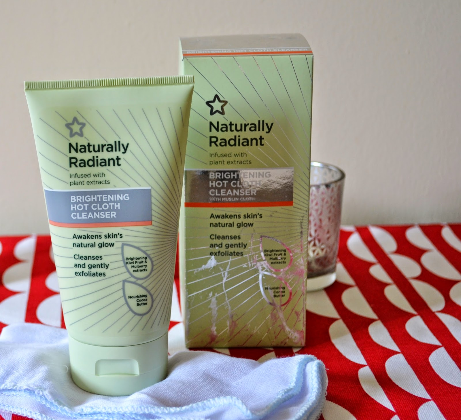 Superdrug Naturally Radiant Brightening Hot Cloth Cleanser - Aspiring Londoner