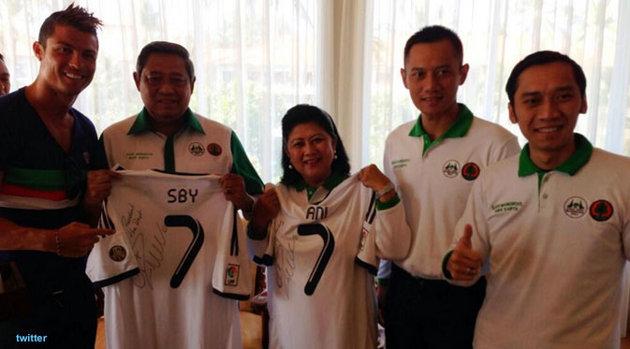 Cristiano Ronaldo Beri SBY Hadiah Istimewa