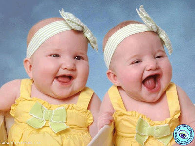 foto-bayi-kembar-cantik