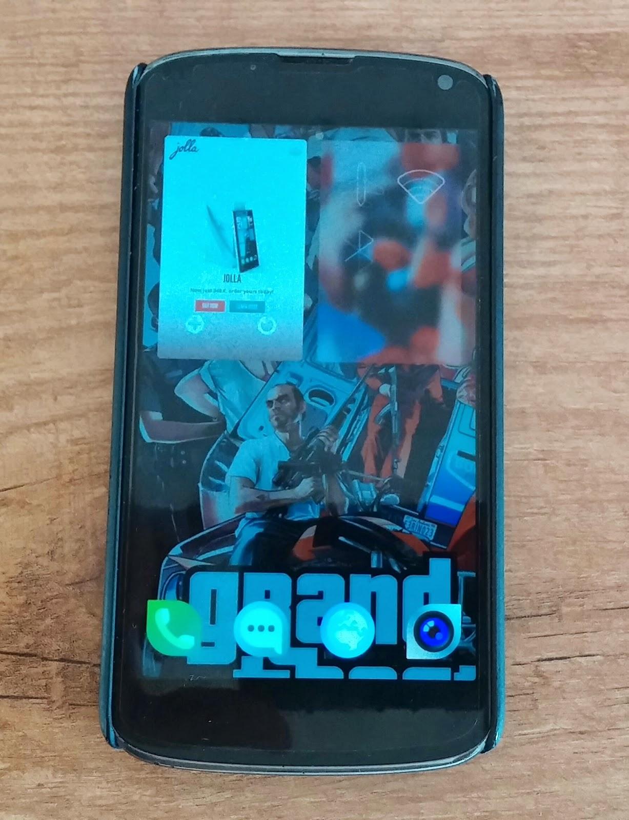 Mi Nexus 4 con la EA3 de Sailfish y un ambiente de GTA V creado por mi :-)