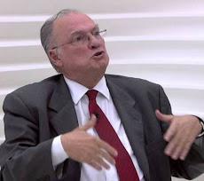RENÚNCIA DO MINISTRO DA CULTURA ROBERTO FREIRE