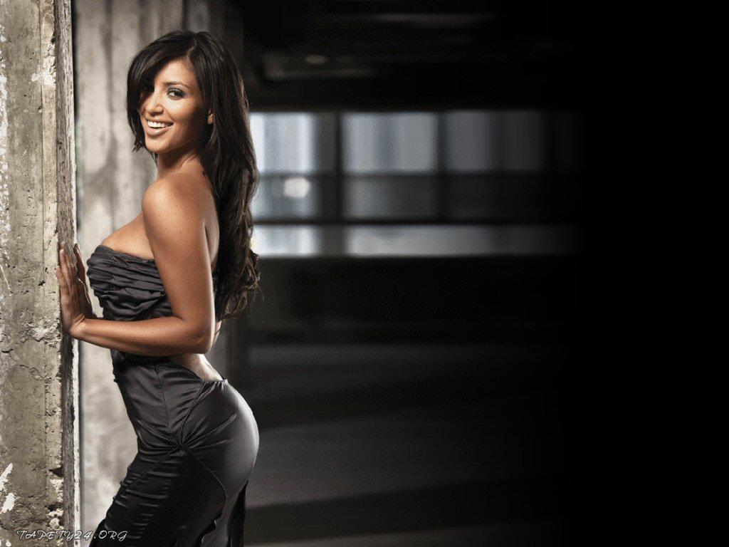 http://2.bp.blogspot.com/-ey2teGdA7wc/TmtHNTm3uwI/AAAAAAAAAKo/mx3LwNh3MJ4/s1600/kim-kardashian-bangs-2012.jpg