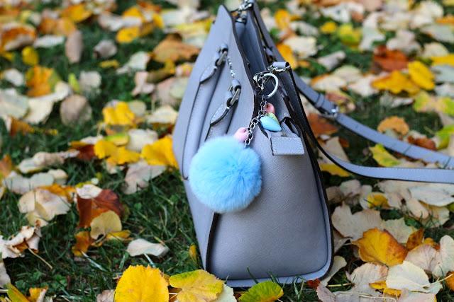 bolsos con pompon