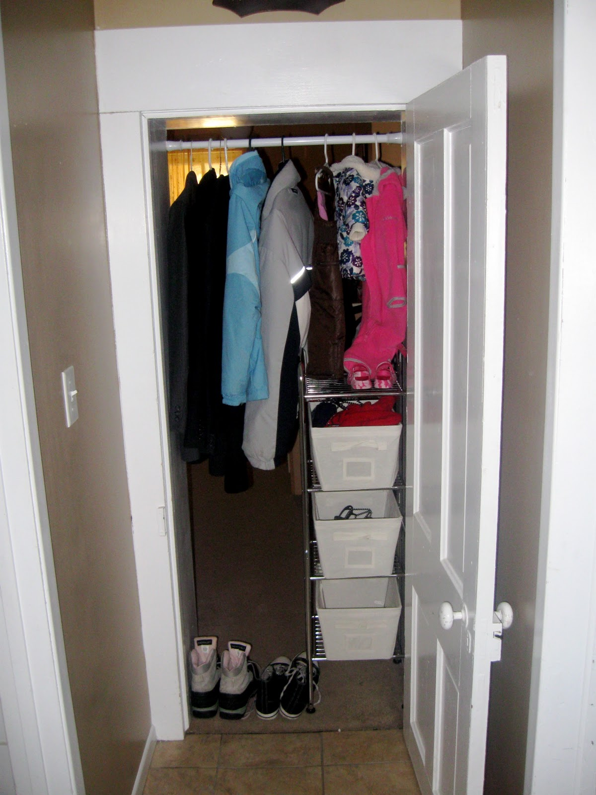 kirkhaven an improvised closet. Black Bedroom Furniture Sets. Home Design Ideas