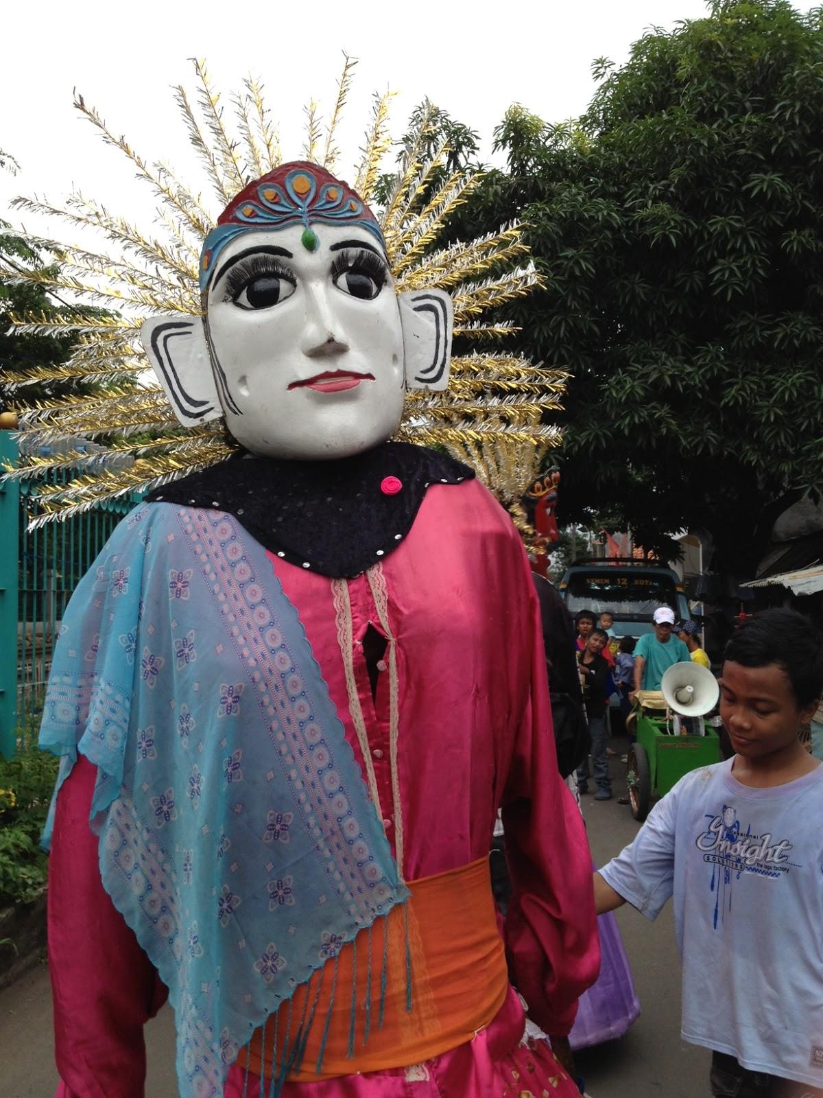 Indonesia Jakarta Ondel Ondel Puppet Travel In Note