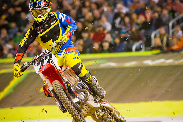 Chad Reed getting it done. He's as fast as ever.