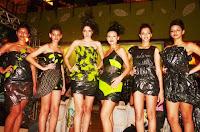 Ambiental Fashion III -2011                       Feito Com Saco de Lixo