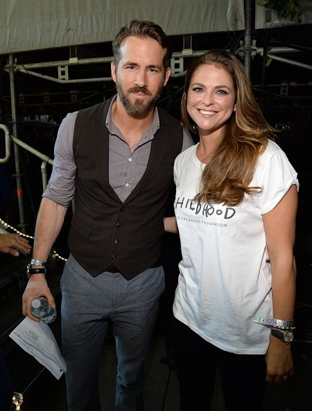 Princess Madeleine took the time to take a picture with Ryan Reynolds. Queen Silvia is now on her way back to Sweden