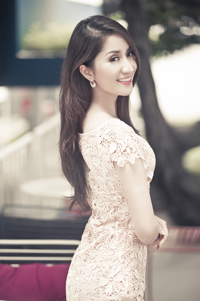 Khanh Thi increasingly young and beautiful
