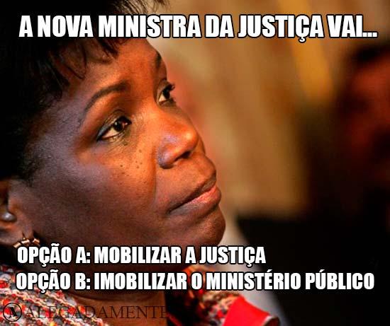 Imagem de Teresa Van Dunem - A nova ministra da justiça vai… Opção a: mobilizar a Justiça; Opção b: imobilizar o Ministério Público.