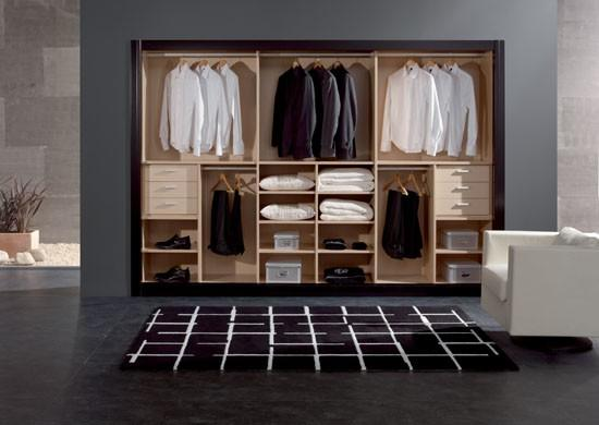 Modernos ba os con closet kitchen design luxury homes for Closet de madera para dormitorios