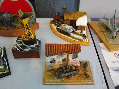 Maquettexpo : La table de Kitmaquettes DSCF2231