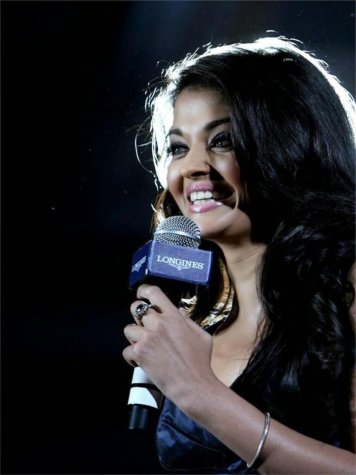Aishwarya Rai :Aishwarya Rai Latest Hot Unseen Rare Hot Pics/Photos [HD]