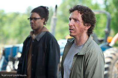 TWD 6x01 - Corey Hawkins como Heath y Michael Traynor como Nicholas