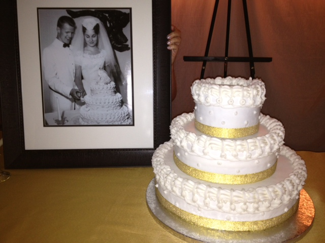 SABtabulous Cakes!!: 50th Anniversary Wedding Cake Recreated from ...