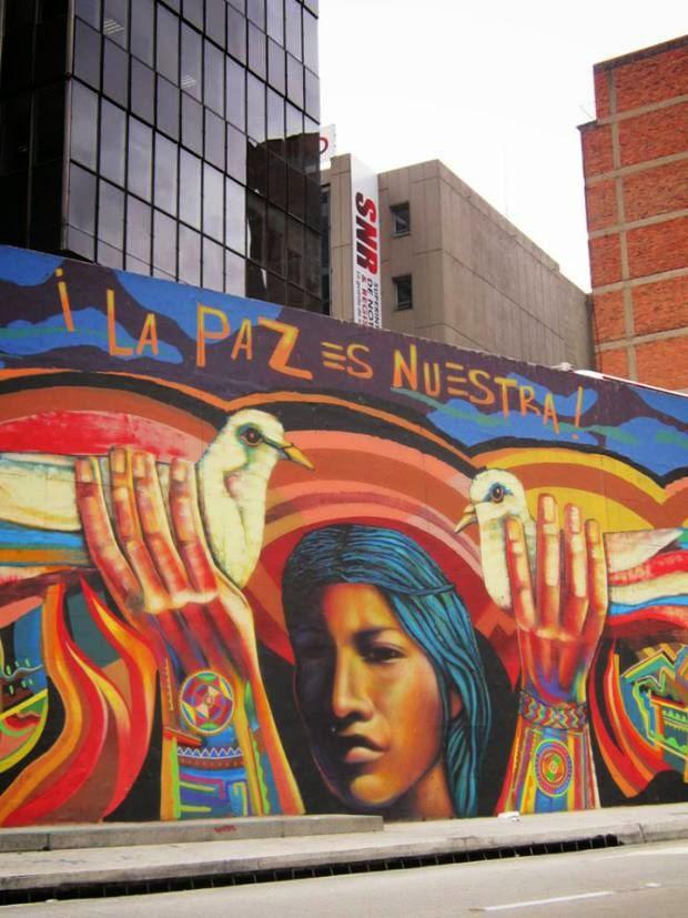 La paz se puso de moda en Colombia, con hashtags de MeMuevoporlaPaz inundando Twitter, y una gran cantidad de grafitis representando la paz han llenado los