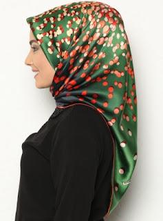 Style Hijab Turki Model Terbaru Motif Polkadot