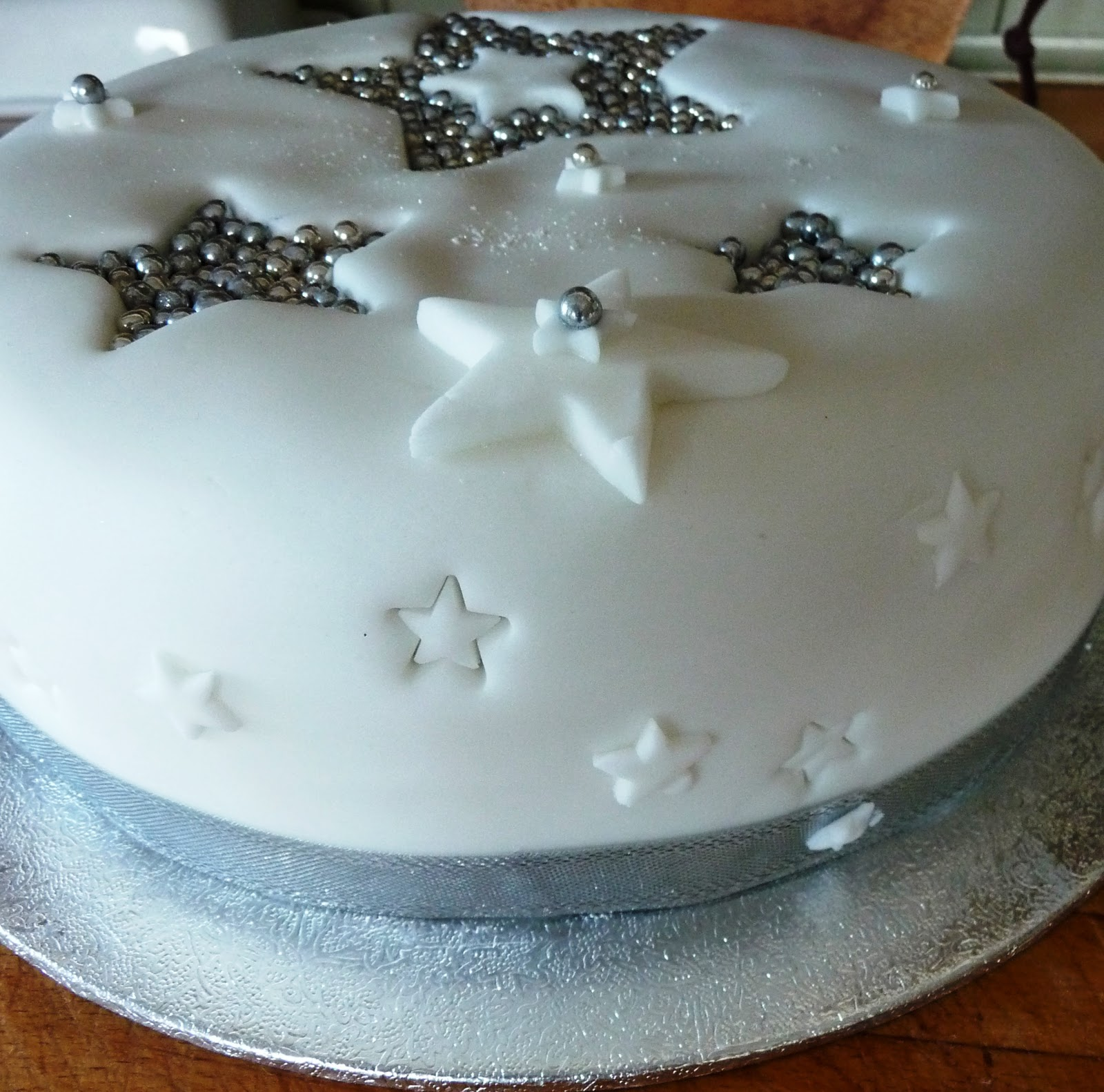 Christmas Cake Decoration With Stars : Lancashire Food: Quick and easy mincemeat christmas cake