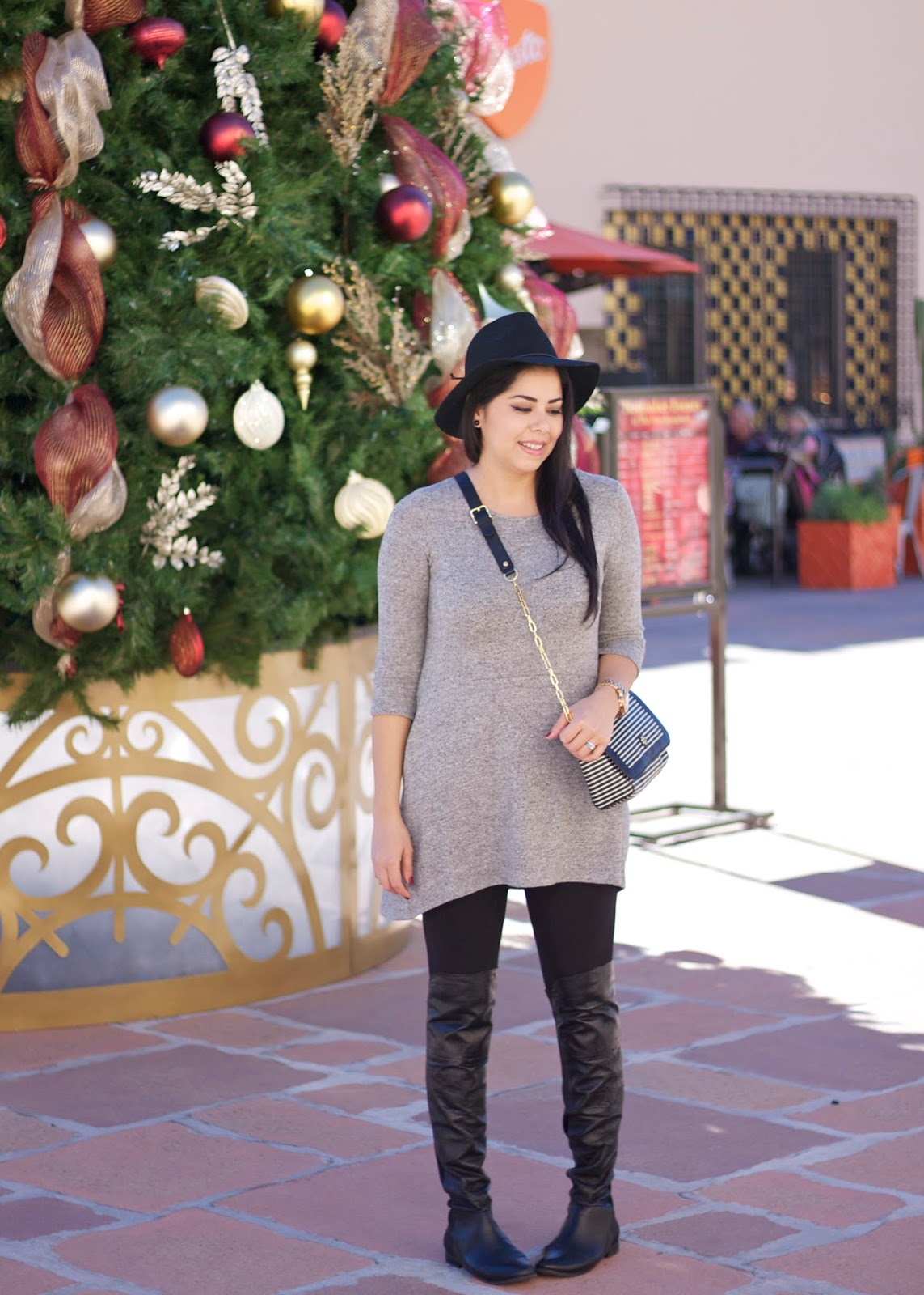 chic holiday shopping outfit, comfy winter outfit, san diego fashion blogger, the headquarters san diego, christmas tress in sd