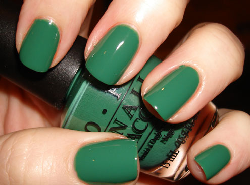 Q8 Rain: My Green Nail Polish!