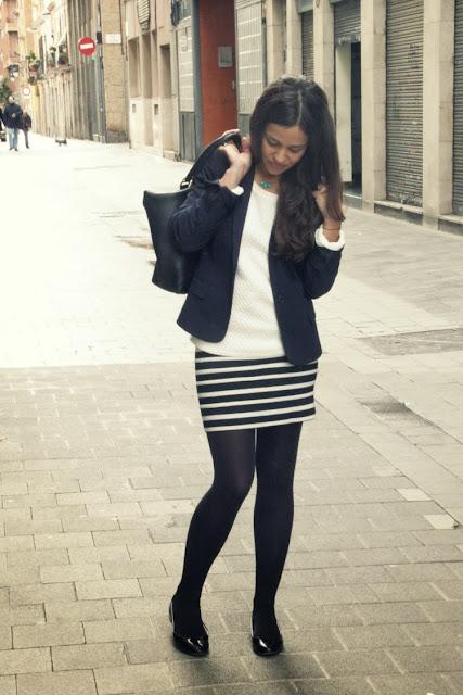 http://2.bp.blogspot.com/-f-FL-ec_bnw/UtwMcXv8SNI/AAAAAAAALyM/Li1Z1tp3TVQ/s1600/working-look-blue-blazer-navy-skirt-6.jpg