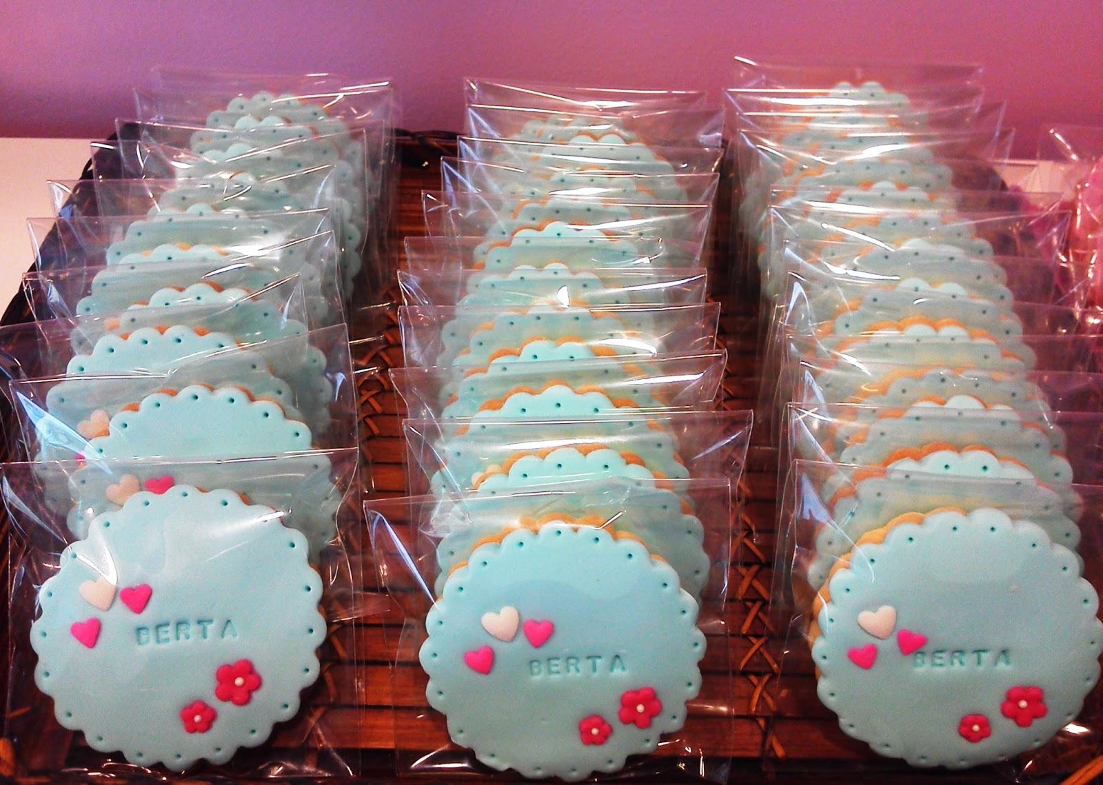 Los dulces de kanarita galletas decoradas para la for Puertas decoradas para el 10 de mayo