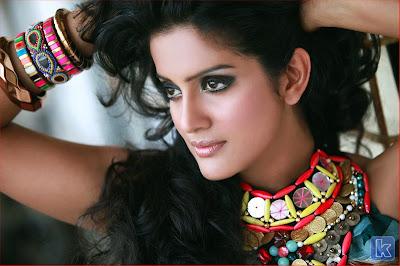 Vishakha Singh Stills Kanna Laddu Thinna Aasaiya,Kanna Laddu Thinna Aasaiya actress stills,Vishakha Singh 2013 stills,bikini,images,pictures,Vishakha Singh