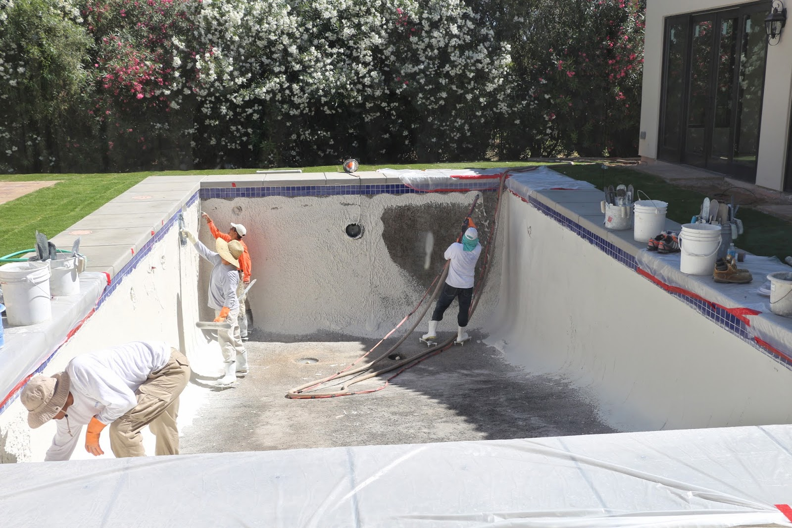 plastering a pool