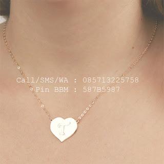kalung nama inisial lapis emas