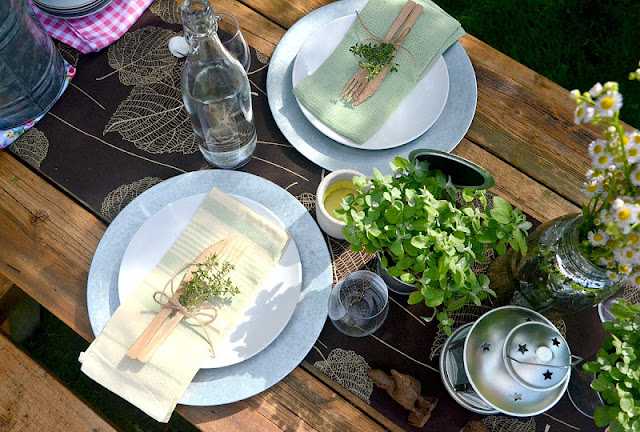 Pure Bliss- Outdoor Tablescape-Weekly Blog Link Up Party-Treasure Hunt Thursday- From My Front Porch To Yours