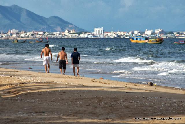 Soleil, vent et vagues à Ham Thuan Nam plage - Photo An Bui