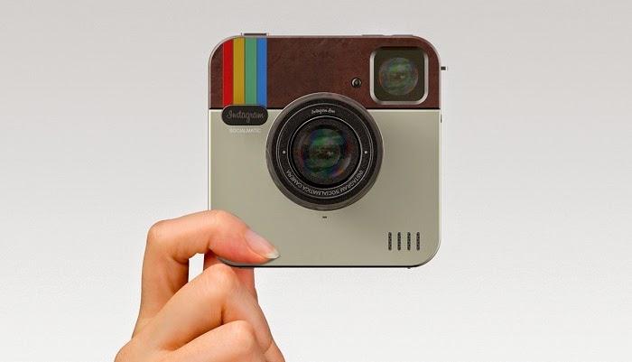 como vender pela internet com o instagram mão segurando câmera