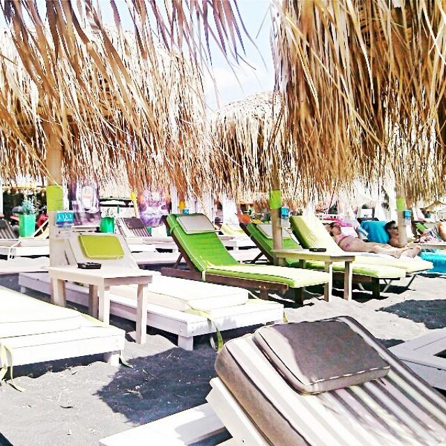 Santorini Instagram @lelazivanovic. Jojo beach bar, Perivolos, Santorini.