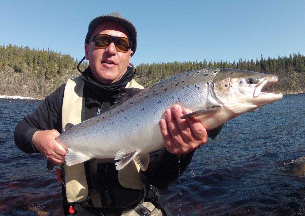 Martin L. with a Varzuga fish