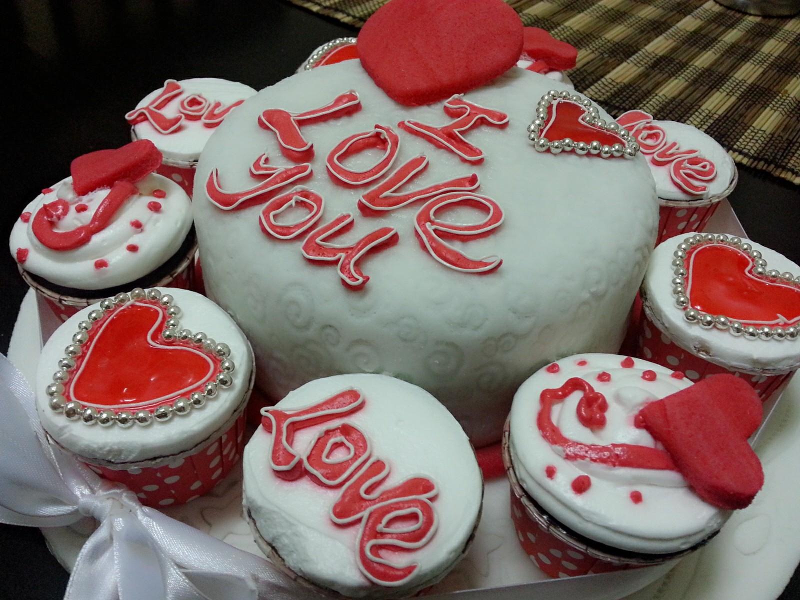 i love cakes 😍