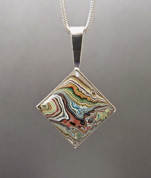 20-Cindy-Dempsey-Motor-Agate-Fordite-Paint-Jewellery-www-designstack-co